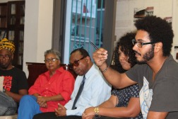 El Junte de Saber Antirracista coordinado por el Colectivo Ilé y Welmo Romero sobre el Hombre Negro https://revistaetnica.wordpress.com/2015/11/03/de-lo-que-nunca-se-habla-del-hombre-negro/