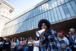 Marcha do ORGULHO CRESPO de Brazil, celebrada el 26 de julio http://www.afropunk.com/profiles/blogs/feature-black-empowerment-spreads-across-brazil-with-marcha-do