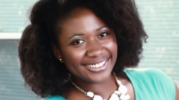 Gwen Jimmere, la primera mujer afroamericana en recibir una patente por producto para cabello natural. http://thesource.com/2015/12/23/detroit-native-is-the-first-african-american-woman-to-receive-a-patent-for-natural-hair-care-product/