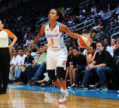 Luego de una gran controversia, la armadora boricua Carla Cortijo, es la primera mujer en jugar en la WNBA con el equipo Dream de Atlanta.